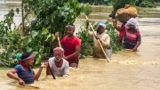 People during flood in Bihar