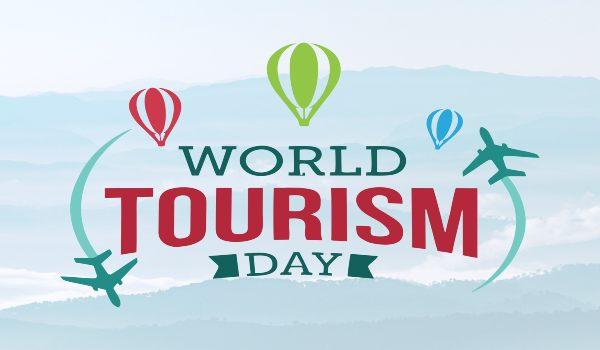 Essay on World Tourism Day in Hindi