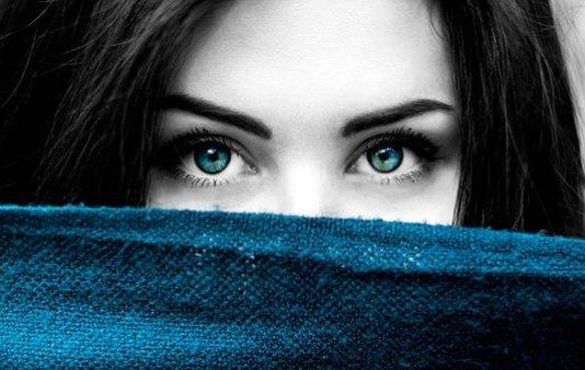 how to make eye green blue in hindi