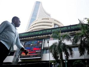Read more about the article बाजार सहमा, एयरलाइंस और एसबीआई के शेयर नीचे, यस बैंक में सुधार