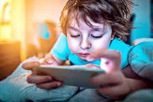 Read more about the article बच्चों को हम दे क्या रहे हैं?