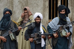 Read more about the article बुर्का और बंदूक के बीच तड़पता अफगानिस्तान!