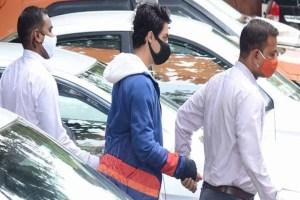 Read more about the article आर्यन खान की गिरफ्तारी पर नवाब मलिक की समीर वानखेडे को खुली धमकी