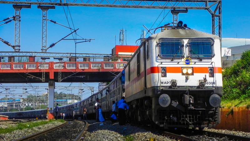 रेलवे ने बदले अपने नियम, अब टिकट कराने से पहले देंगा होगा ये नंबर नहीं तो नहीं मिलेगी ट्रेन टिकट