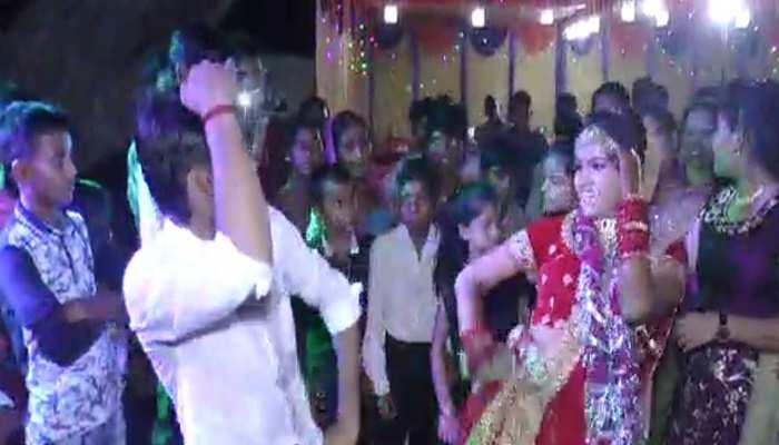 अमर दुबे के साथ अपनी शादी में जमकर नाची थी ख़ुशी दुबे, जबरियां शादी की कही थी बात, देखें वीडियो