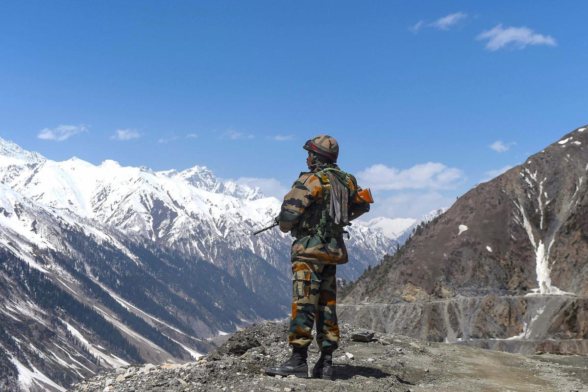 चीन से लड़ने के लिए रिटायर्ड भारतीय जवानों ने जताई इच्छा, बिना सैलरी के सेना में होना चाहते हैं शामिल