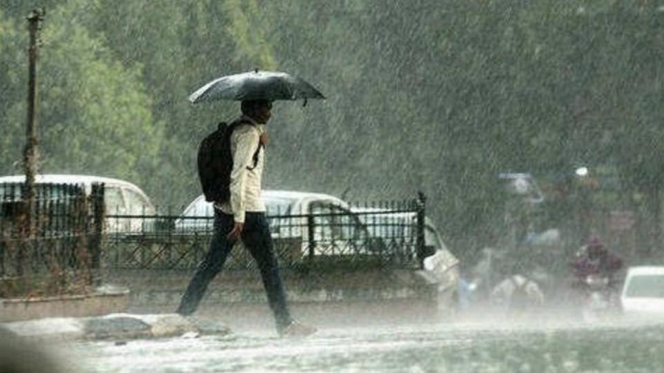 आज का मौसम : 24 घंटे में इन राज्यों में चलेंगी चक्रवर्ती हवाएं, यहाँ होगी मूसलाधार बारिश