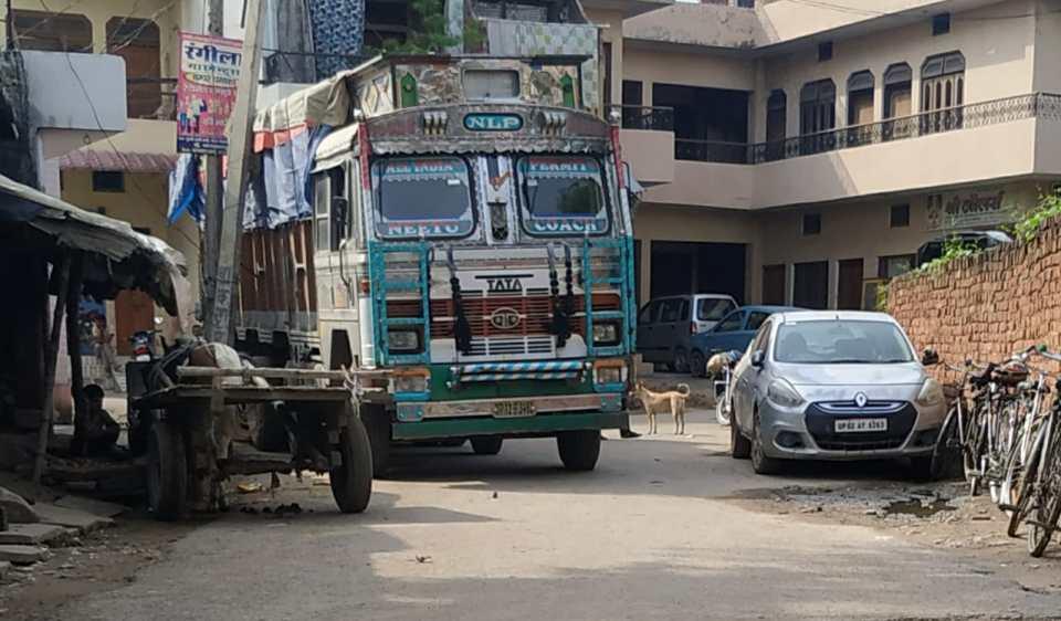 मुंगरा बादशाहपुर पुलिस अवैध कार्यों के लिए हुई विख्यात, न्याय के लिए परेशान है जनता