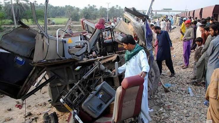 पाकिस्तान में हुआ दर्दनाक ट्रेन हादसा, पीएम मोदी ने जताया शोक, 19 सिक्खों की मौत