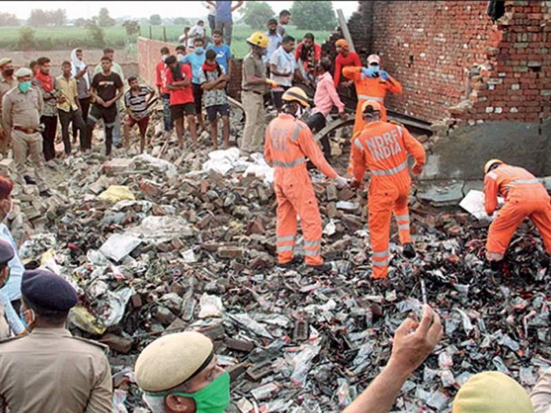 गाजियाबाद की अवैध मोमबत्ती फैक्ट्री में विस्फोट, 7 की मौत, चार की हालत नाजुक