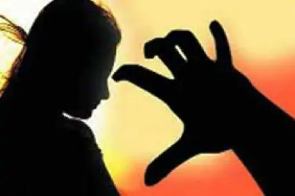 शर्मनाक : हवसी पिता ने अपने 15 साल की बेटी को बना दिया माँ, नाबालिग ने बच्ची को दिया जन्म