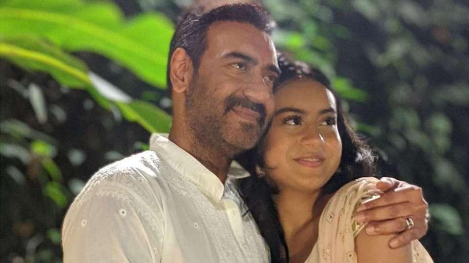बेटी न्यासा के साथ ऐसा व्यवहार करते हैं अजय देवगन, हर पिता को सीखनी चाहिए ये बातें