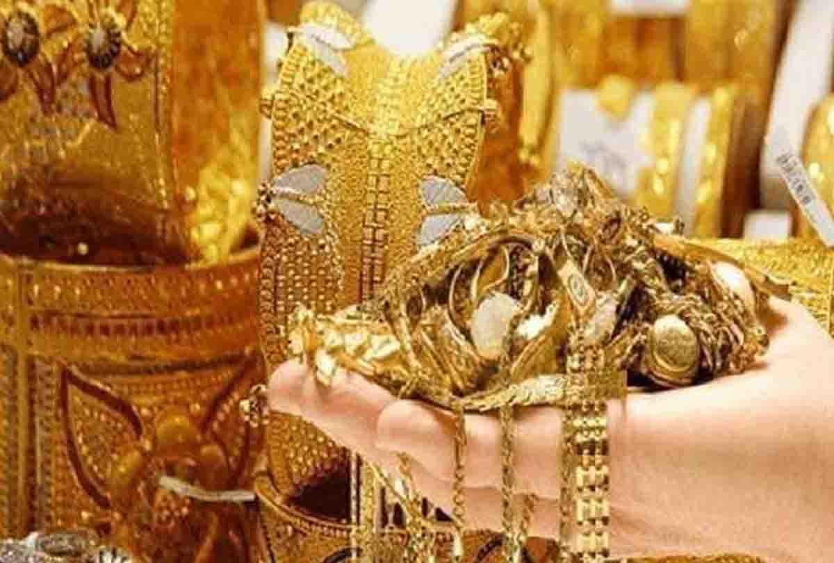 Gold Price: चांदी की हुई 'चांदी' एक दिन में 3,615 रुपये का आया उछाल, सोने के दाम भी इतने रुपये बढ़े