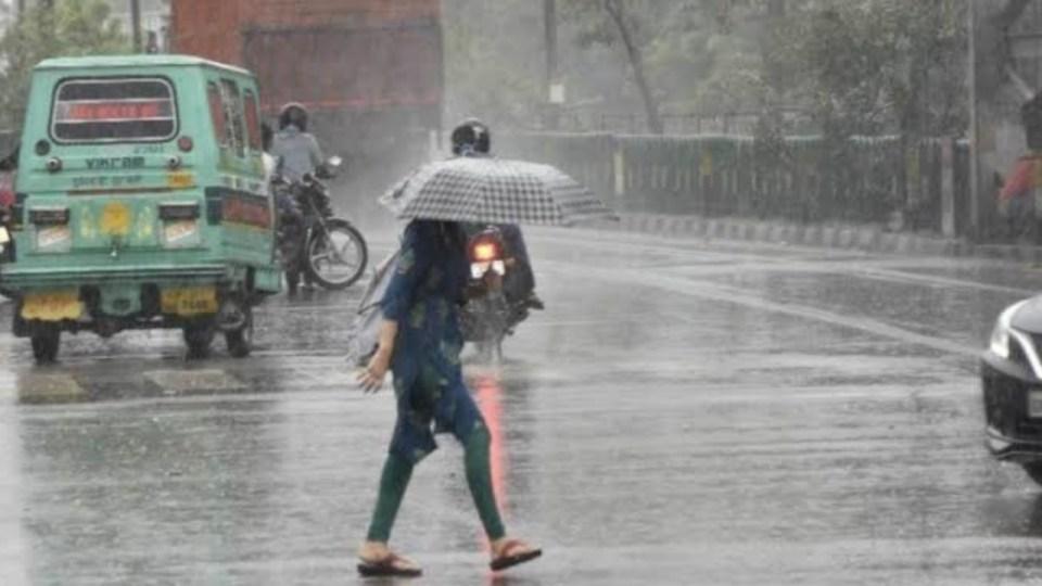 मौसम विभाग का हाई अलर्ट, अगले कुछ घंटो में यूपी के इन 16 जिलो में भारी वर्षा