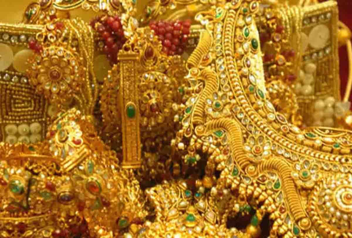 Gold Price: उम्मीद से भी सस्ता है सोना, आज भी आई दाम में भारी गिरावट, 1 तोला की कीमत है सिर्फ इतनी