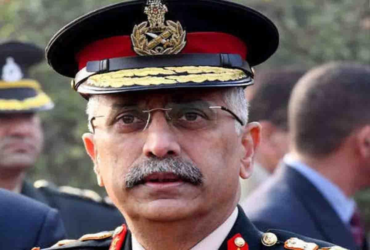 भारत-चीन बॉर्डर पर हो रहा कुछ बड़ा, लद्दाख पहुंचे आर्मी चीफ