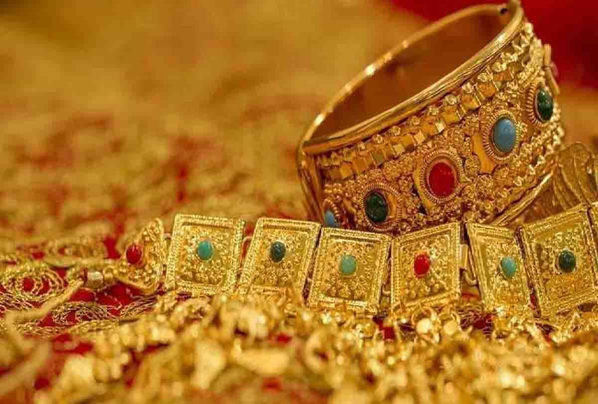 Gold Price: 4800 रुपये सस्ता हुआ सोना, ऊपर से मिल रहा है 780 रुपये का डिस्काउंट, अब मात्र इतने में मिलेगा 1 तोला