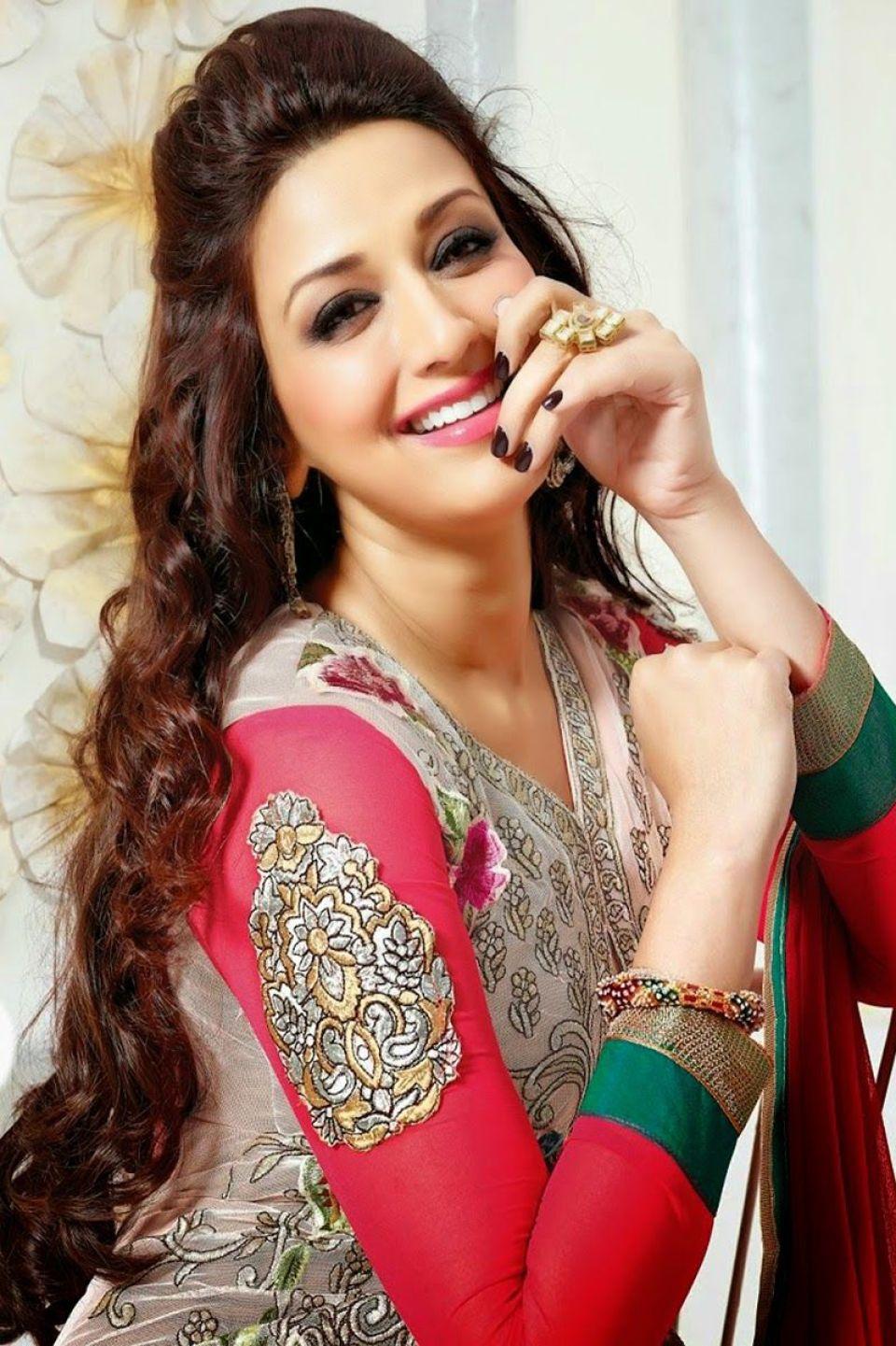 राज ठाकरे समेत ये 5 सितारे सोनाली बेंद्रे के प्यार में थे पागल, शादी करने के लिए कुछ भी करने को थे तैयार