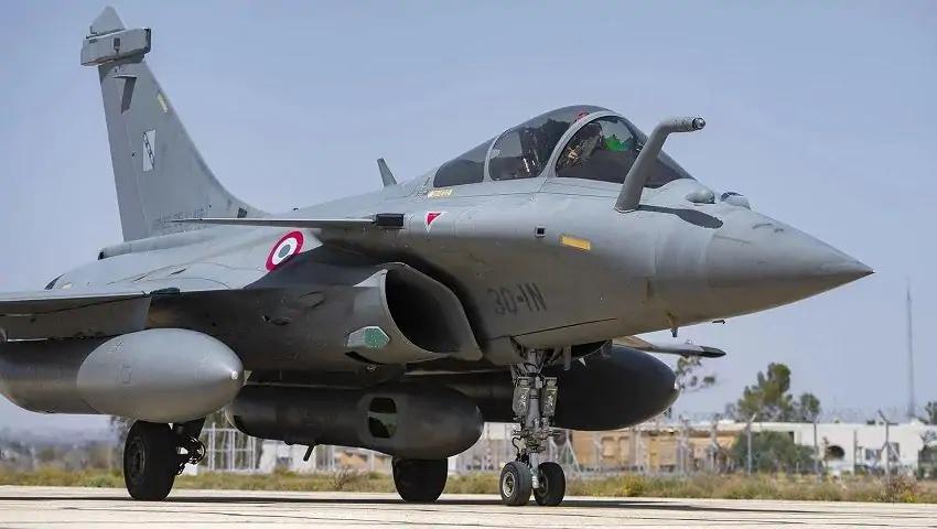 लद्दाख के आसमानों मे लड़ाकू विमान ने भरी उड़ान, डरा चीन