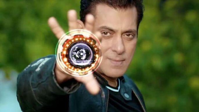 जंजीरों में जकड़े नजरें आए सलमान खान, जानिए डिटेल्स