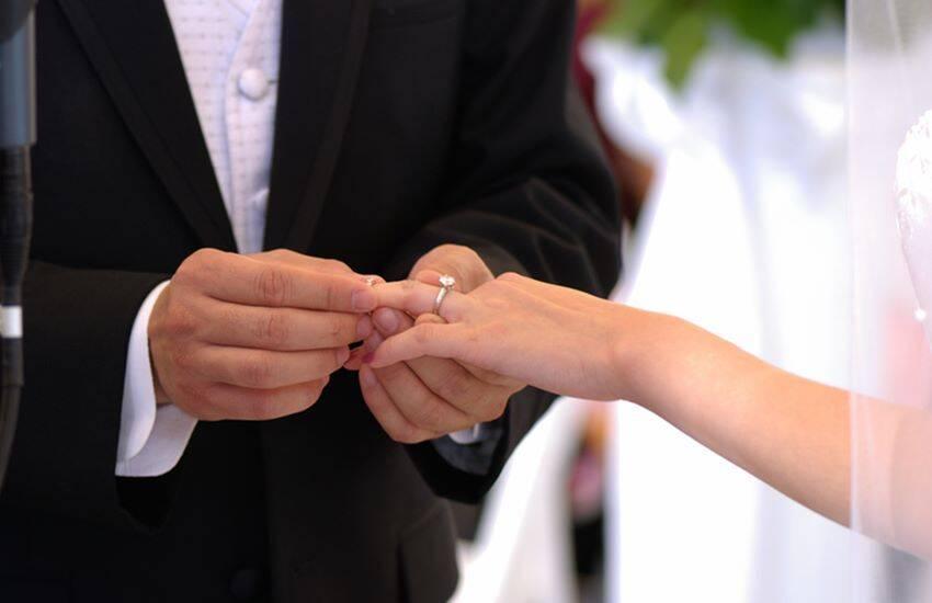 सच्चे प्यार की तलाश में महिला ने की 10 बार शादी, कहा अभी नहीं मानूंगी हार