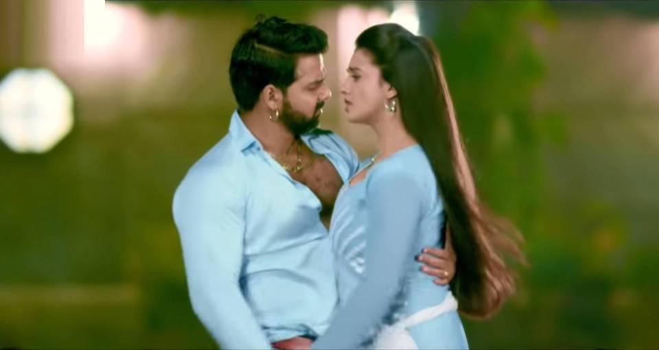 Bhojpuri Song: पवन सिंह और अक्षरा सिंह के इस गाने ने मचाया धमाल