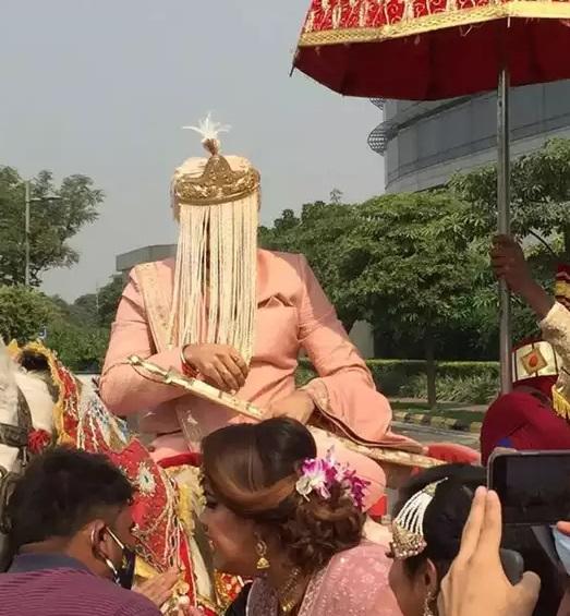 गुरुद्वारे में रोहनप्रीत और नेहा कक्कड़ ने थामा एक दूसरे का हाथ, शादी का वीडियो हुआ लीक, देखें