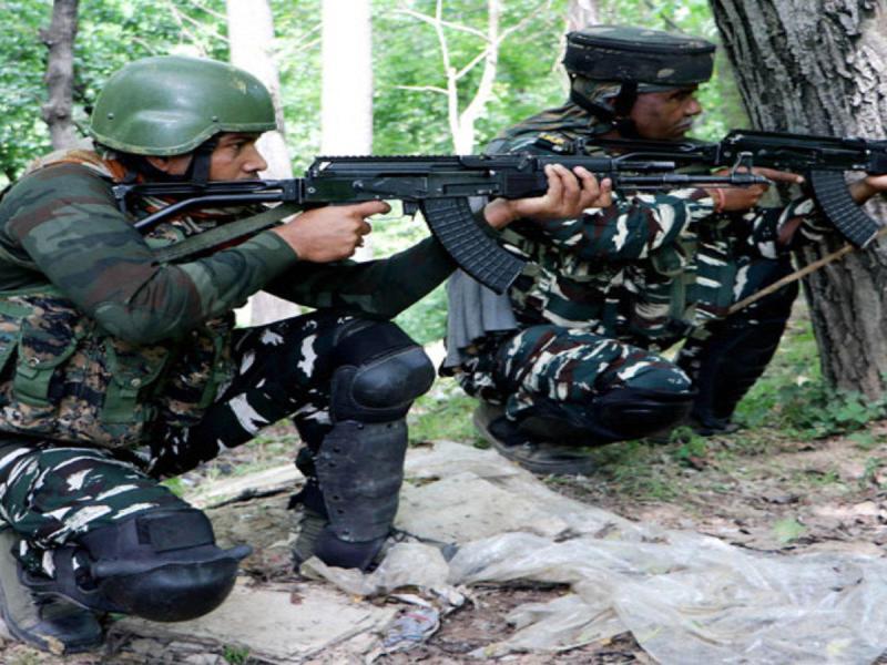 सोपोर में दो आतंकियों ने घुटने टेके, सेना के सामने डाले हथियार
