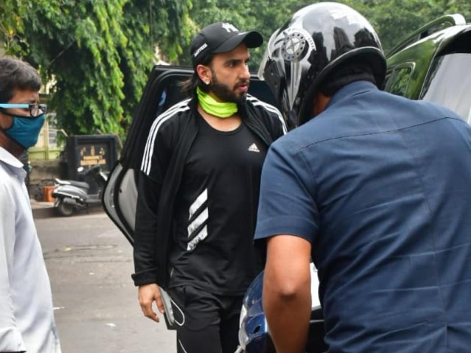 मुंबई में हुआ रणवीर सिंह का एक्सीडेंट, अभिनेता ने तोड़ा नियम