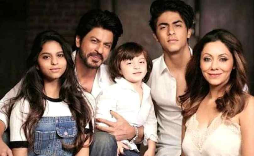 शाहरुख को अब्बा नहीं बल्कि ये कहकर पुकारते हैं उनके बच्चे