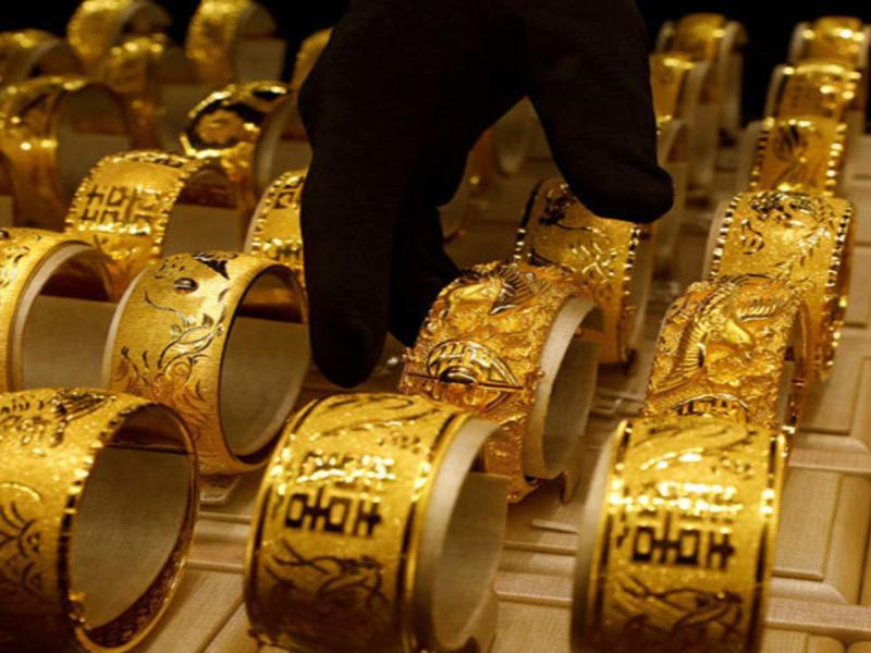 Gold Price : 6000 सस्ता हुआ सोना, अब मात्र इतने में खरीद सकते हैं 1 तोला