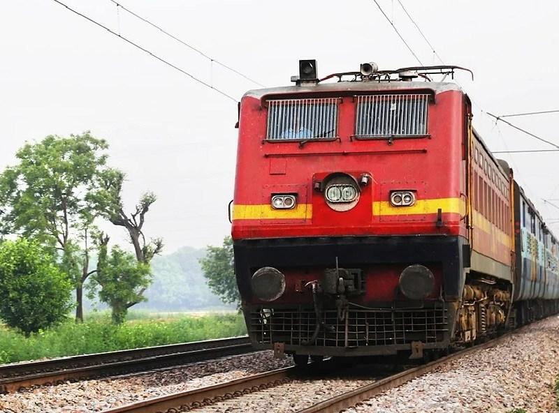फैक्ट चेक: क्या आगामी 1 दिसंबर से बंद होने वाली है ट्रेन की सेवाएं, जानिए सच