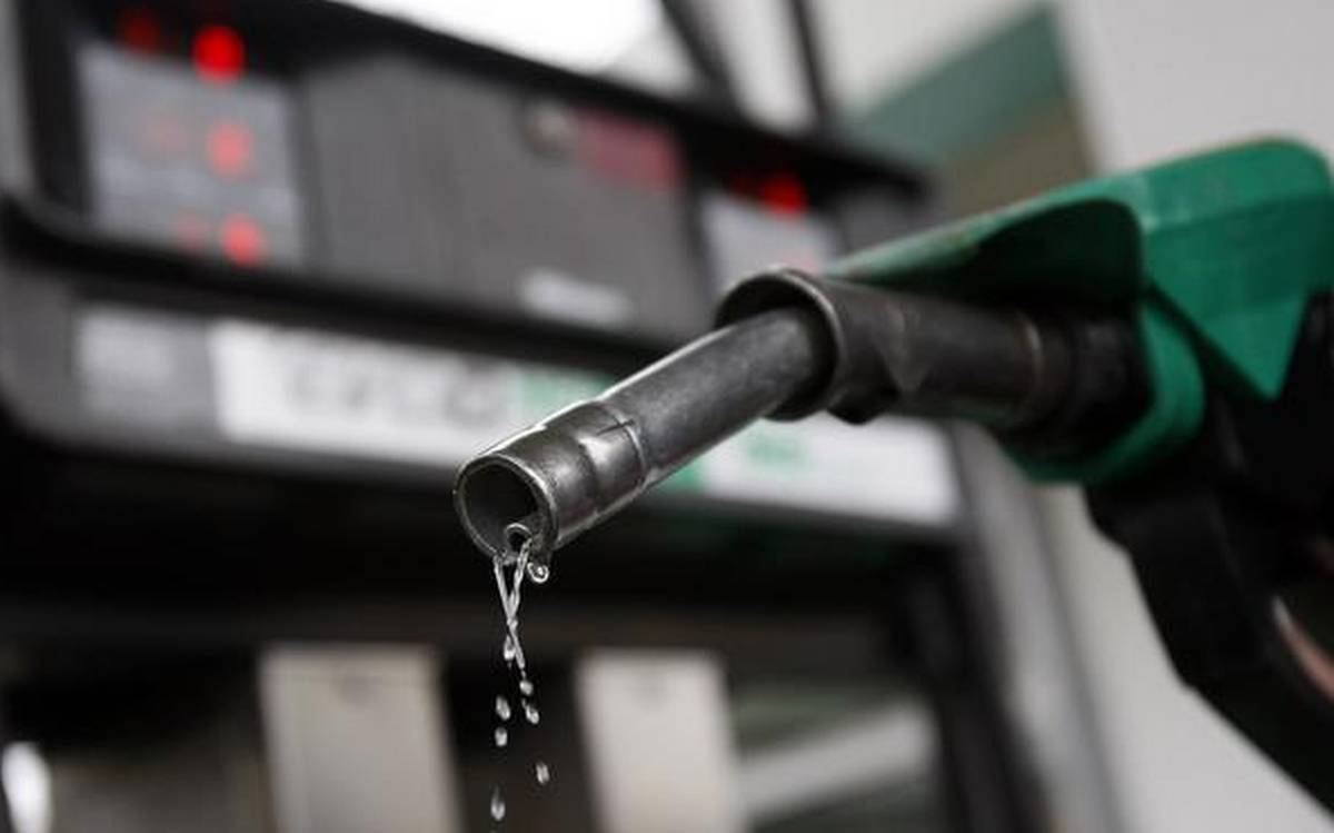 Diesel Petrol Price Today : कच्चे तेल के बिक्री में आई कमी, जानिए आज क्या हैं पेट्रोल और डीजल के दाम