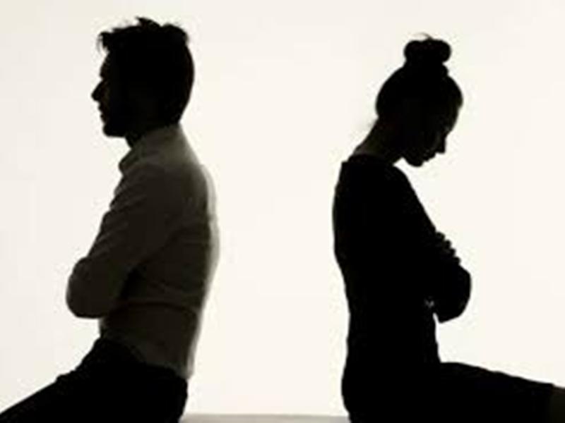 पत्नी ने मांगा मां बनने का हक, पति ने मांग लिया भरण-पोषण भत्ता, जानिए पूरा मामला