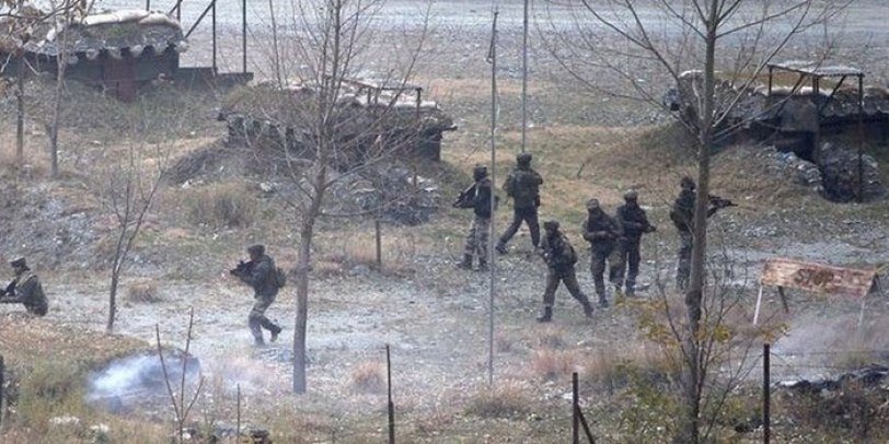 Loc पर पाकिस्तान की ओर से ताबड़-तोड़ फायरिंग, सेना के दो जवान शहीद