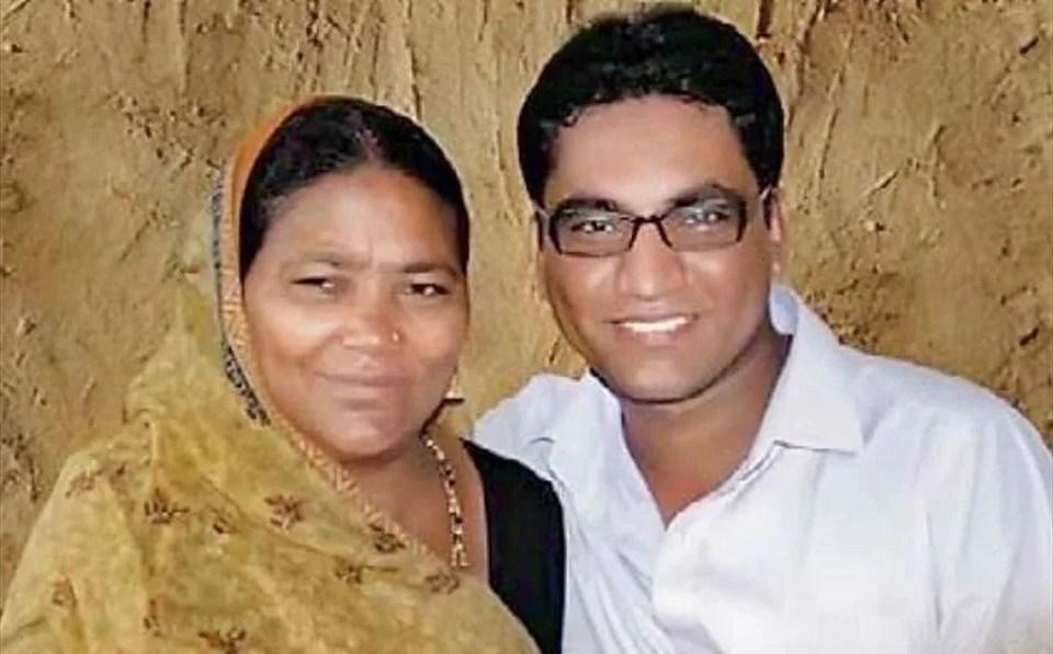 महाराष्ट्र: शराब बेचकर माँ ने पढ़ाया, बेटा पहले बना डॉक्टर, फिर कलेक्टर