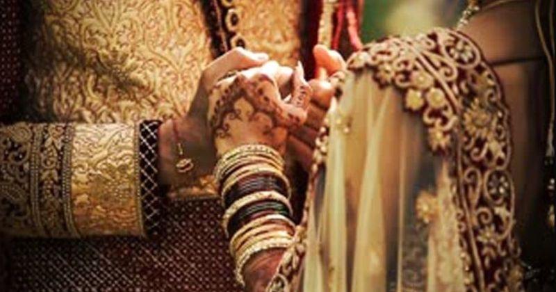 भीख माँगने वाली लड़की से हुआ प्यार, प्रपोज़ किया और मंदिर में कर ली शादी
