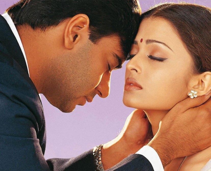 जब अभिषेक के सामने ही अजय देवगन ने कर लिया था ऐश्वर्या राय को किस, फिर....