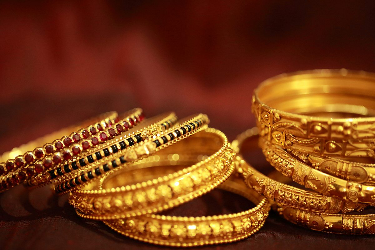 Gold Price: गिरावट के बाद सोने के भाव में फिर आई तेजी, अब इतने में मिल रहा 1 तोला