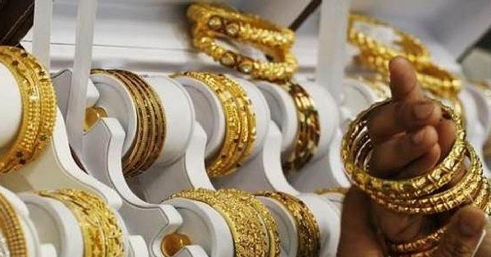 Gold Price: 5500 सस्ता हुआ सोना, जानिए करवाचौथ तक कितनी होगी कीमत
