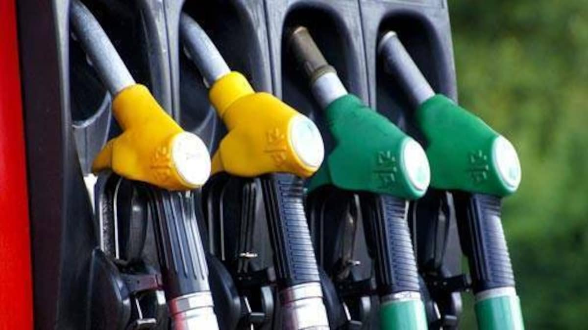 Petrol &Amp; Diesel Price: पेट्रोल और डीजल की कीमत में सरकार ने दी राहत, जानिए आज का रेट