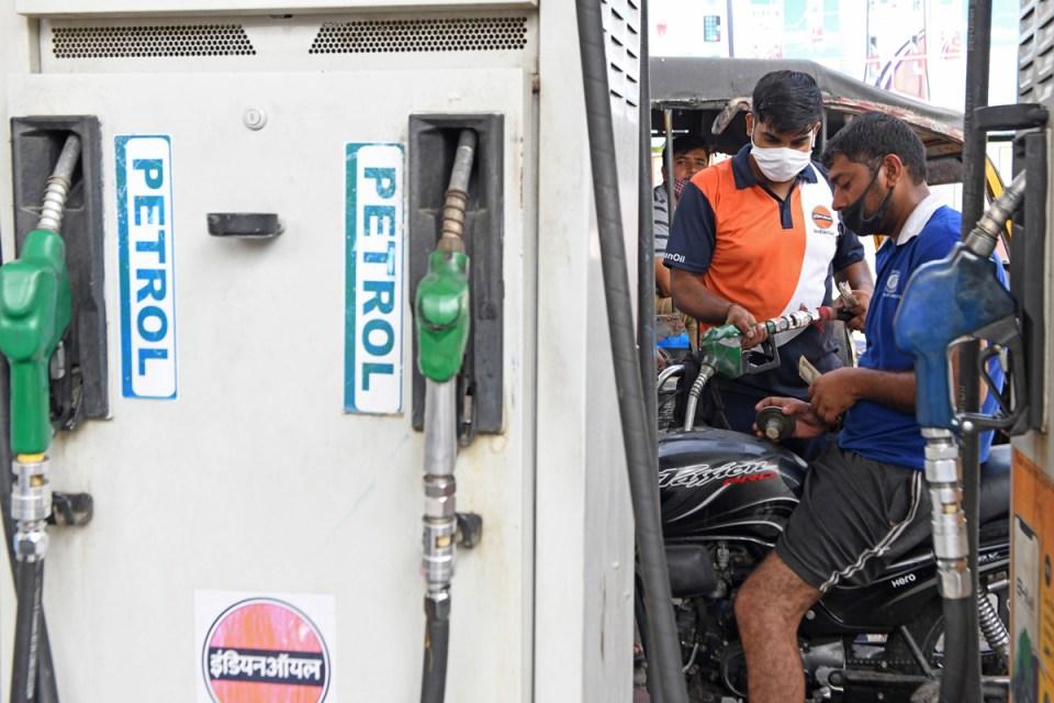 Petrol Diesel Price Today: भारत सरकार ने पेट्रोल और डीजल की कीमतों पर दी राहत, जानिए भाव