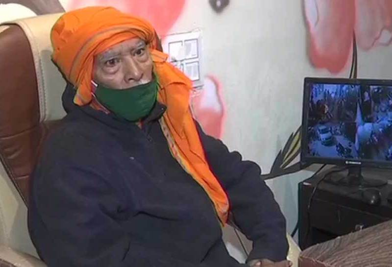 बाबा का ढाबा के मालिक के खाते में आए थे इतने लाख रुपए, जानिए कौन बोल रहा था झूठ