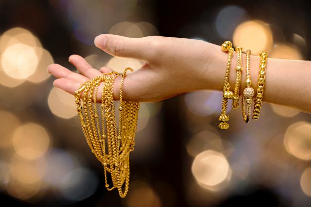 Gold Price: सोने और चांदी की कीमतों ने तोड़े सभी रिकॉर्ड, जानिए 10 ग्राम की कीमत