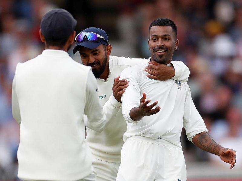 हार्दिक पंड्या की तरह इस क्रिकेटर ने गर्लफ्रेंड से सगाई कर की नई साल की शुरुआत