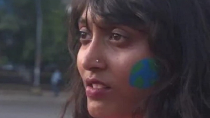 टूलकिट मामले में दिशा रवि की गिरफ्तारी पर पाकिस्तान से लेकर अमेरिका तक क्यों हो रही है चर्चा