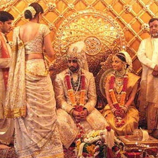 ऐश्वर्या ने शादी में पहनी थी सोने की साड़ी, कई किलो हीरों के गहनों से लदी हुई थी दुल्हन