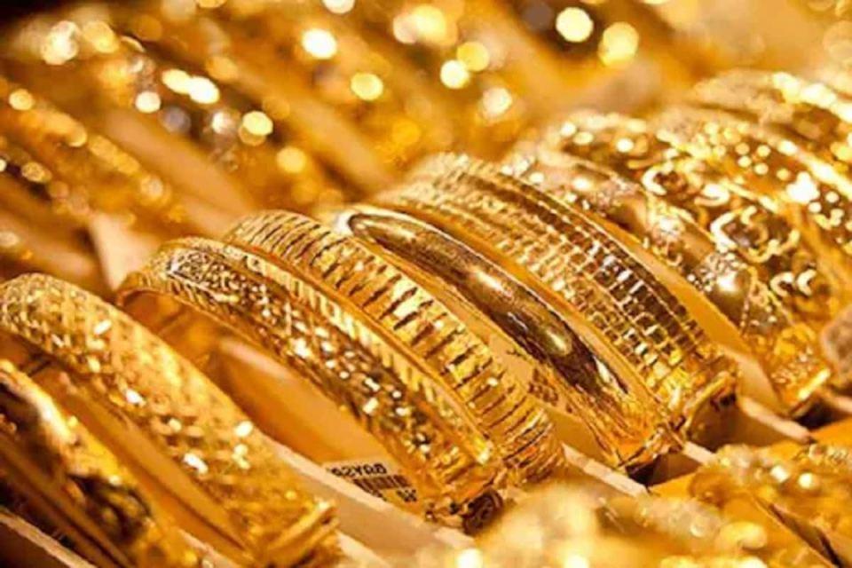 Gold Price: यहाँ 27393 रुपये में मिल रहा है एक तोला सोना, और गिरेगा दाम, जानिए 1 तोला गोल्ड की कीमत