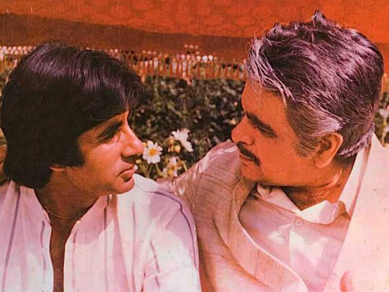 Dilip Kumar Death: दिलीप कुमार के निधन से सदमे में अमिताभ बच्चन, कहा वो एक्टर नहीं सिनेमा के संस्थान थे.....