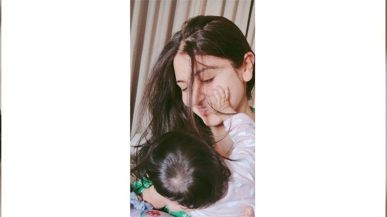 अनुष्का शर्मा ने दिखाया बेटी वामिका का चेहरा, देखें कैसी दिखती है विराट कोहली की बिटिया